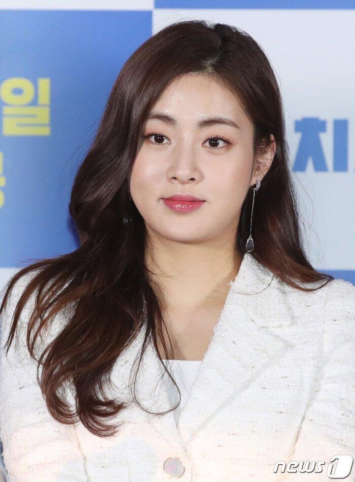 Max Changmin (DBSK) và Kang Sora thông báo hoãn đám cưới 6