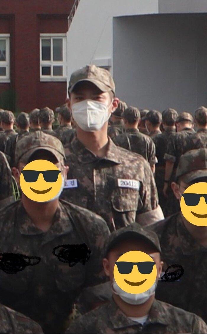Rò rỉ ảnh trong quân đội của Park Bo Gum: Knet khen đẹp trai mặc kệ lớp khẩu trang! 0