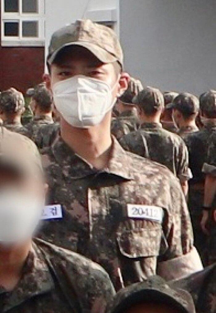 Rò rỉ ảnh trong quân đội của Park Bo Gum: Knet khen đẹp trai mặc kệ lớp khẩu trang! 1