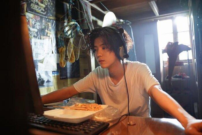 Lộc Hàm 'hack tuổi' tài tình dưới ống kính của CCTV, Cnet: 'Trẻ trung như trai 18' 9