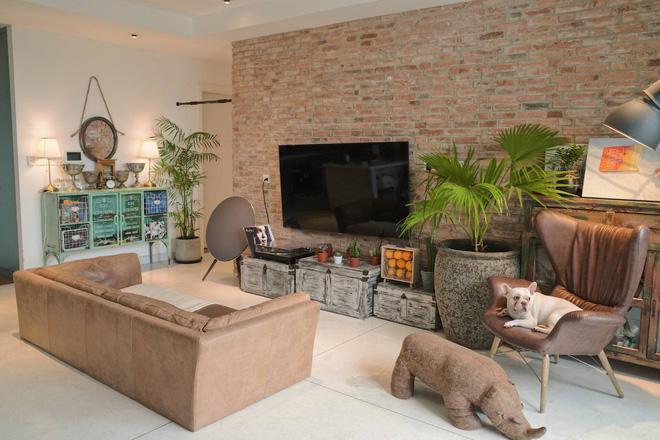 Căn hộ của Châu Bùi nằm trong 1 chung cư thuộc quận 4, rộng 94m2 và được định giá khoảng 4 tỷ đồng.