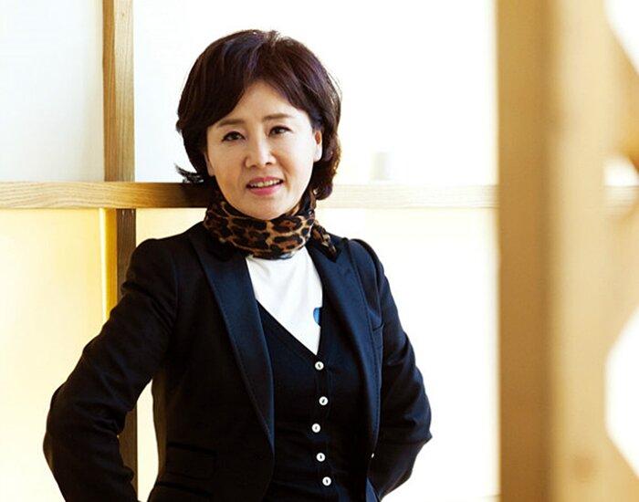 Sun Woo Eun Sook.