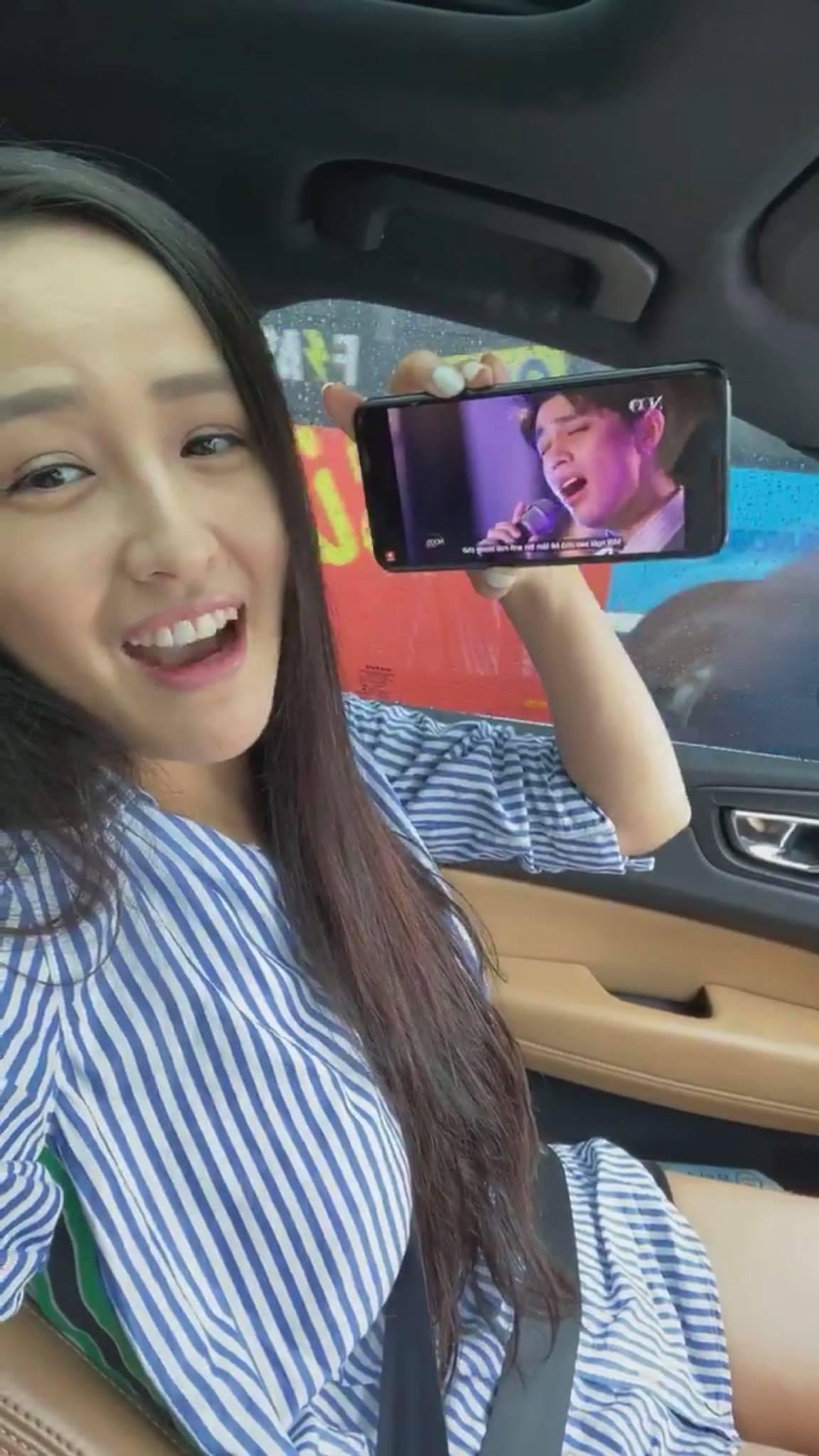 Chối đây đẩy chuyện tái hợp nhưng Mai Phương Thúy lại có phản ứng như cô gái đang yêu khi xem clip Noo Phước Thịnh 1