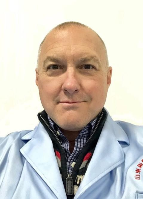 Aaron Drake, cựu giám đốc y tế tại Alcor và là thành viên của Viện Yinfeng từ năm 2016.