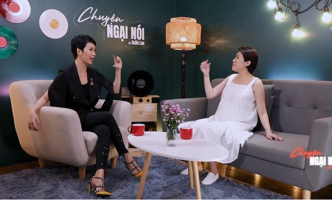Xuân Lan và Pha Lê 'chị chị em em' ngồi tâm sự, cộng đồng mạng nhắc lại vụ lùm xùm 'túi fake' năm xưa 0