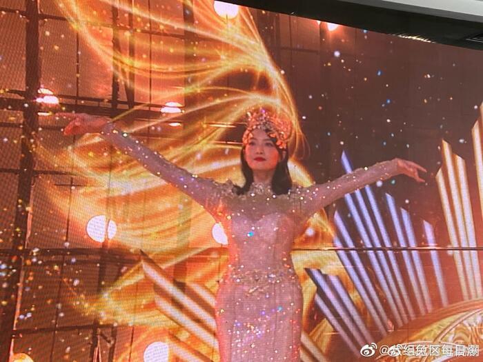 Triệu Lộ Tư gây xôn xao khi like bài viết chê bai tạo hình Nữ thần Kim Ưng của Tống Thiến 2