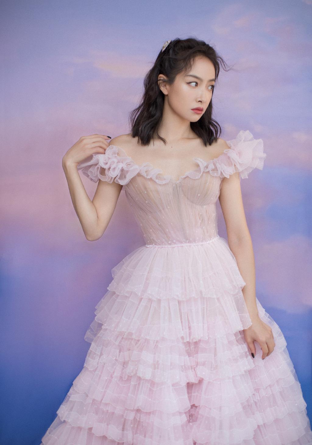 Nữ thần Kim Ưng Tống Thiến cùng chọn thương hiệu váy giống Phạm Băng Băng: Người xinh như tiên tử, người mặc lên nhìn như hàng chợ 10