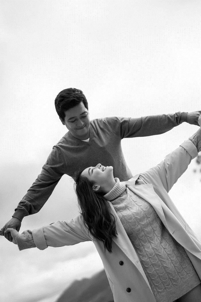 Trường Giang chia sẻ chuyện mới yêu Nhã Phương: Đập đầu vào tường lúc 3-4h sáng vì nhớ quá không chịu nổi 1