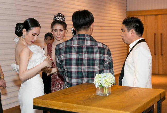 Tình huống 'bơ đẹp' của các cặp sao Việt: Thúy Vân và chồng Lan Khuê tránh né tuyệt đối, khó hiểu nhất là thái độ 'như người dưng' của vợ chồng Lệ Quyên 2