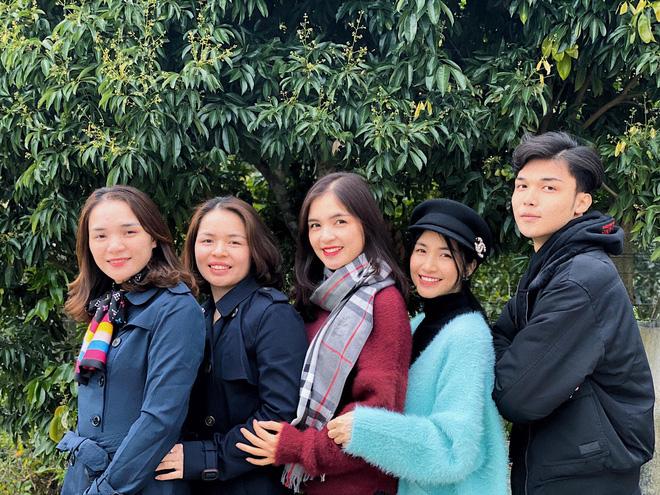 Trước Hùng Nguyễn là 4 chị em gái