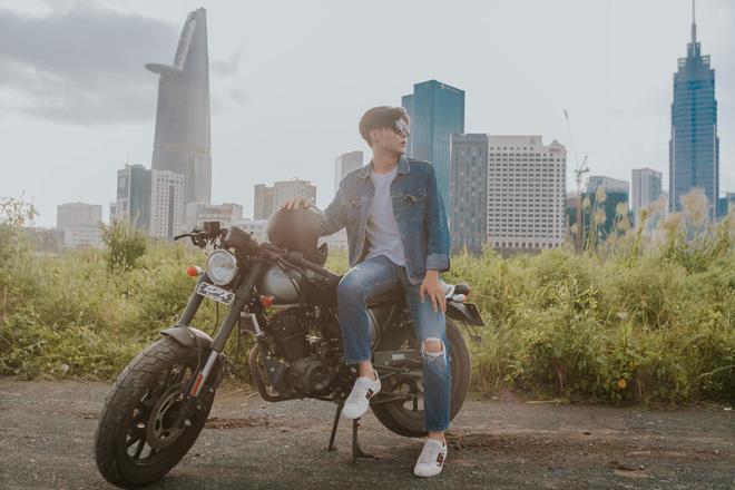 Chiếc mô tô Hoà Minzy tặng em trai trong ngày sinh nhật