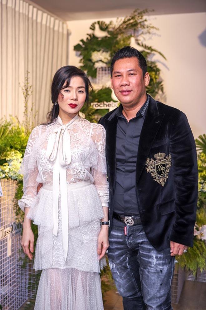 Lệ Quyên cùng chồng đại gia hoàn tất thủ tục ly hôn từ cuối tháng 9 năm nay.
