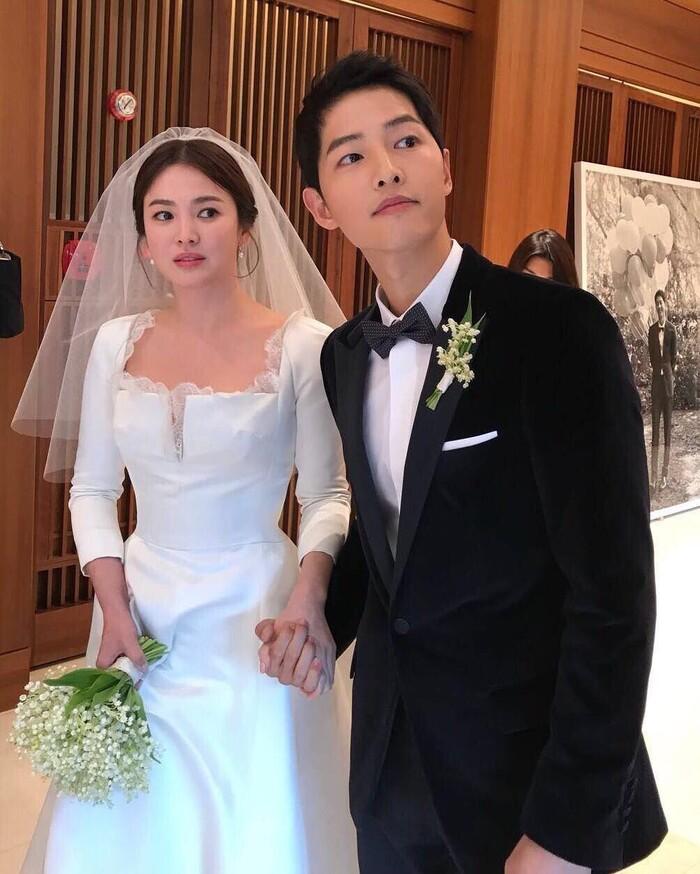 Kỷ niệm 3 năm ngày cưới: Nhìn lại 'hôn lễ thế kỷ' của Song Hye Kyo và Song Joong Ki! 0