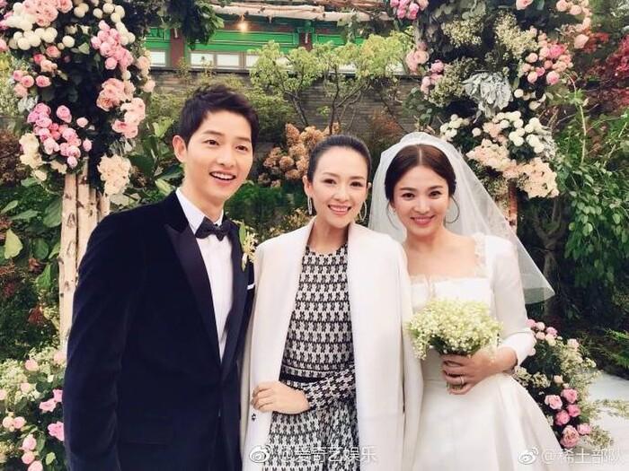 Kỷ niệm 3 năm ngày cưới: Nhìn lại 'hôn lễ thế kỷ' của Song Hye Kyo và Song Joong Ki! 1