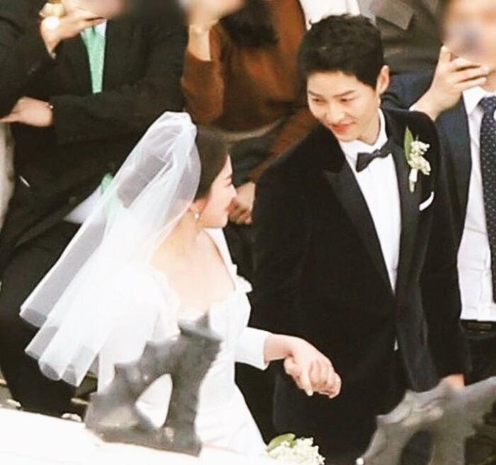 Kỷ niệm 3 năm ngày cưới: Nhìn lại 'hôn lễ thế kỷ' của Song Hye Kyo và Song Joong Ki! 6