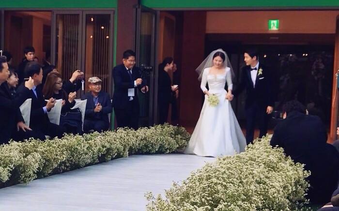 Kỷ niệm 3 năm ngày cưới: Nhìn lại 'hôn lễ thế kỷ' của Song Hye Kyo và Song Joong Ki! 5
