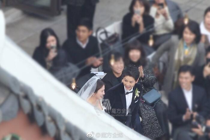 Kỷ niệm 3 năm ngày cưới: Nhìn lại 'hôn lễ thế kỷ' của Song Hye Kyo và Song Joong Ki! 9