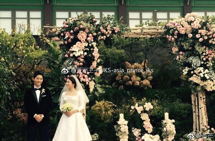 Kỷ niệm 3 năm ngày cưới: Nhìn lại 'hôn lễ thế kỷ' của Song Hye Kyo và Song Joong Ki! 15