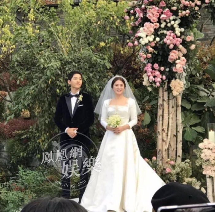 Kỷ niệm 3 năm ngày cưới: Nhìn lại 'hôn lễ thế kỷ' của Song Hye Kyo và Song Joong Ki! 19