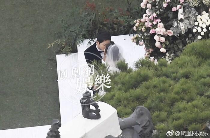 Kỷ niệm 3 năm ngày cưới: Nhìn lại 'hôn lễ thế kỷ' của Song Hye Kyo và Song Joong Ki! 23