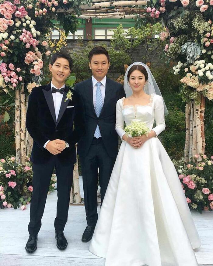 Kỷ niệm 3 năm ngày cưới: Nhìn lại 'hôn lễ thế kỷ' của Song Hye Kyo và Song Joong Ki! 28