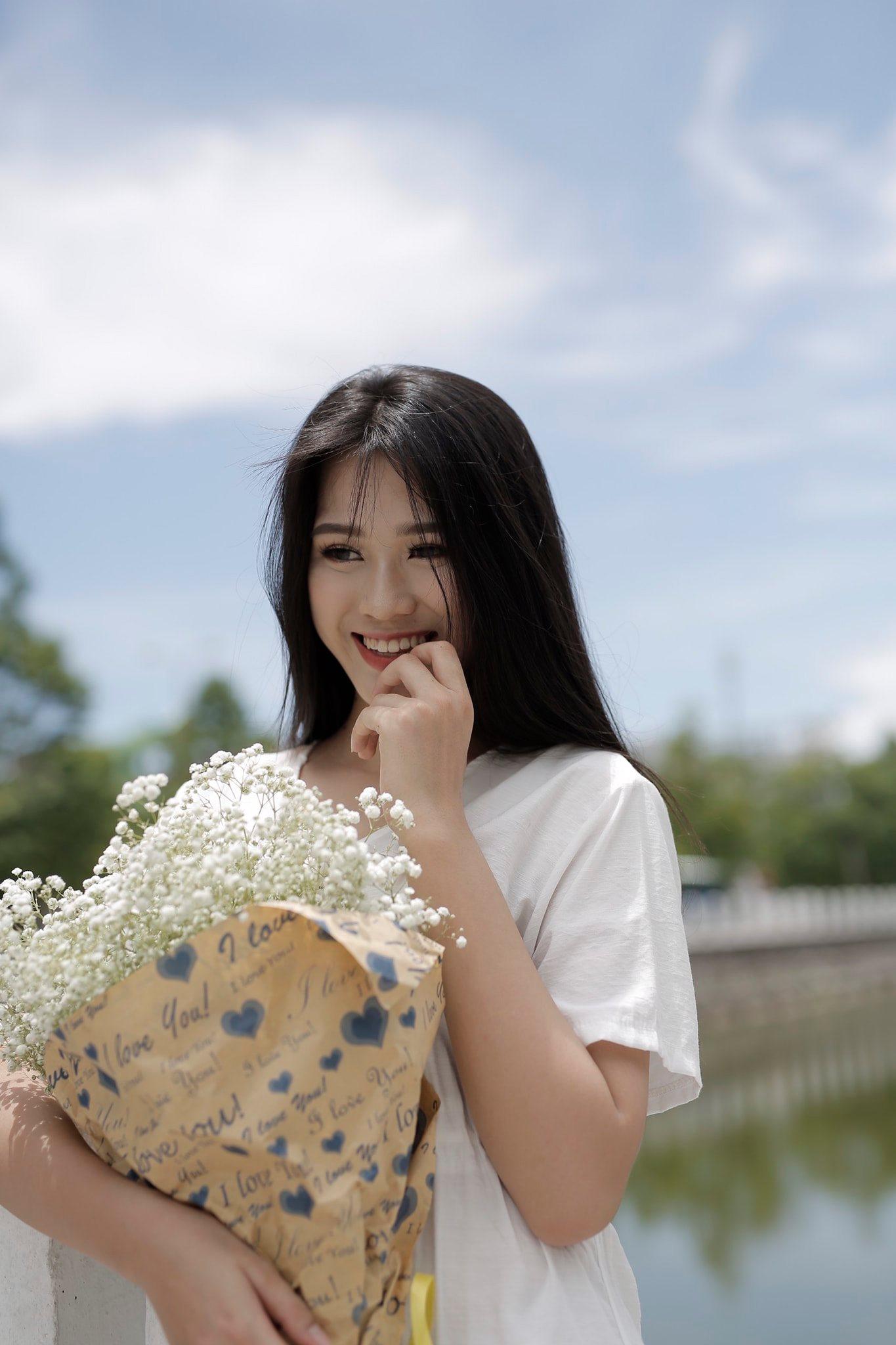 Tân Hoa hậu Việt Nam 2020 gây bất ngờ với động thái đầu tiên sau đăng quang 2
