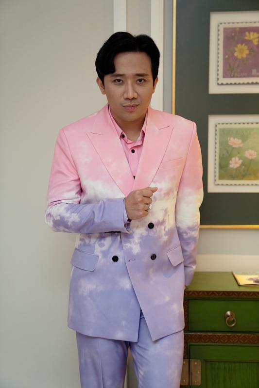 Trấn Thành là MC của chương trình.
