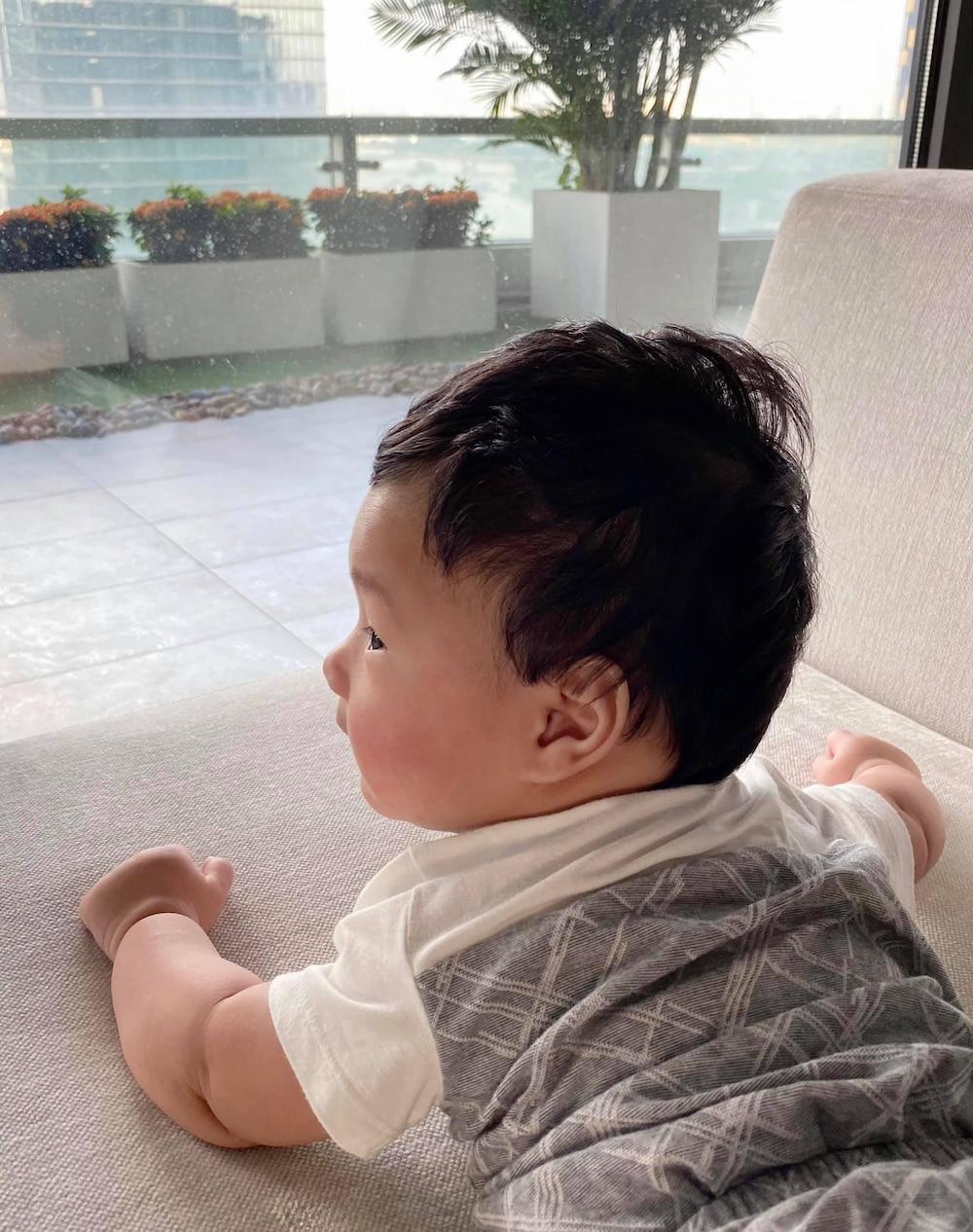 Bên cạnh đó, Hoa hậu Việt Nam 2012 còn tiết lộ tên ở nhà của quý tử là Liam