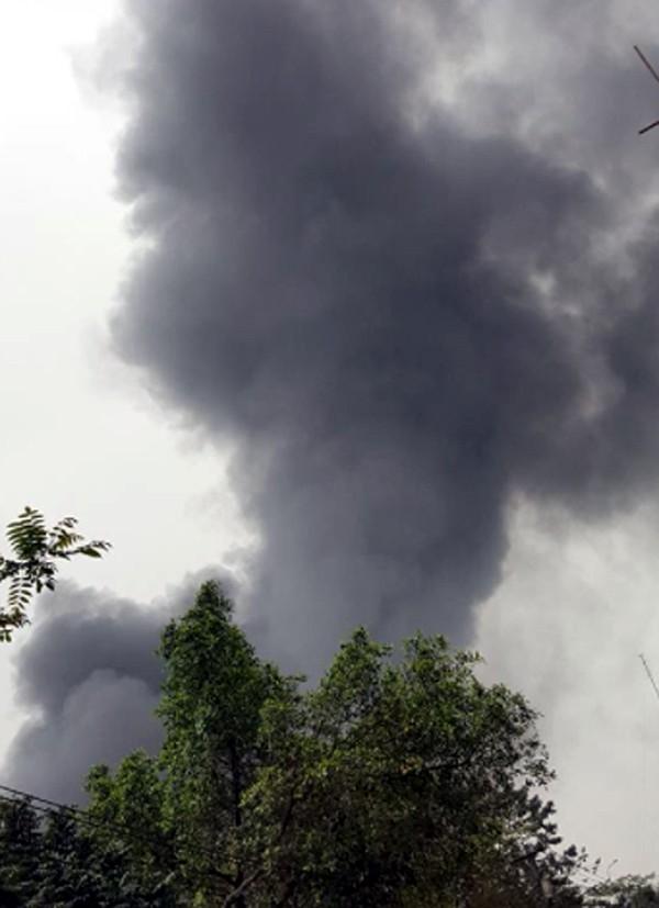Hà Nội: Cháy cực lớn, thiêu rụi hoàn toàn xưởng giày da ở Triều Khúc chỉ trong chốc lát 3