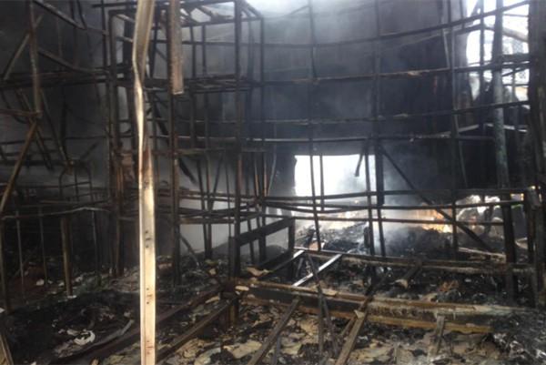 Hà Nội: Cháy cực lớn, thiêu rụi hoàn toàn xưởng giày da ở Triều Khúc chỉ trong chốc lát 9