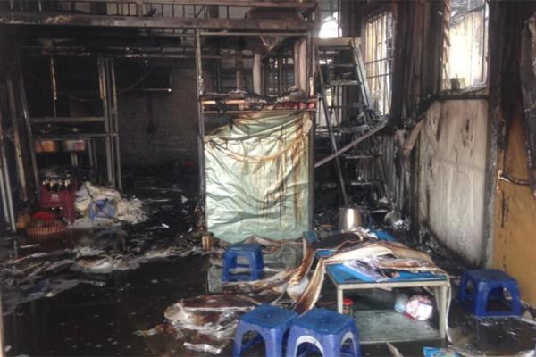 Hà Nội: Cháy cực lớn, thiêu rụi hoàn toàn xưởng giày da ở Triều Khúc chỉ trong chốc lát 7