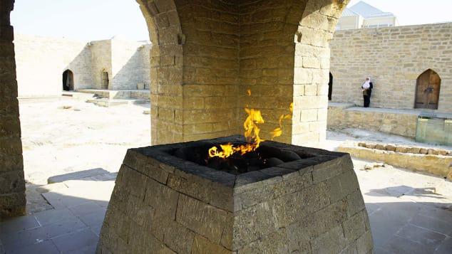 Một số hình ảnh bên trong Đền lửa Ateshgah.