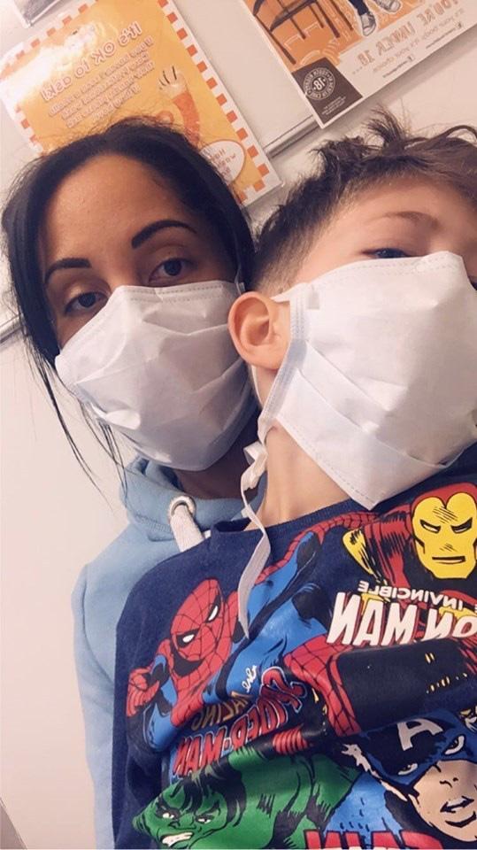 'Mẹ ơi, con sẽ chết sao?' - câu hỏi của con trai nhiễm Covid-19 khiến người mẹ từng rất lạc quan nay lại hoảng sợ đứa trẻ sẽ ra đi mãi mãi 4