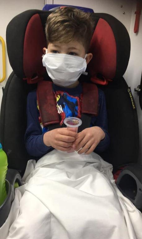 'Mẹ ơi, con sẽ chết sao?' - câu hỏi của con trai nhiễm Covid-19 khiến người mẹ từng rất lạc quan nay lại hoảng sợ đứa trẻ sẽ ra đi mãi mãi 5