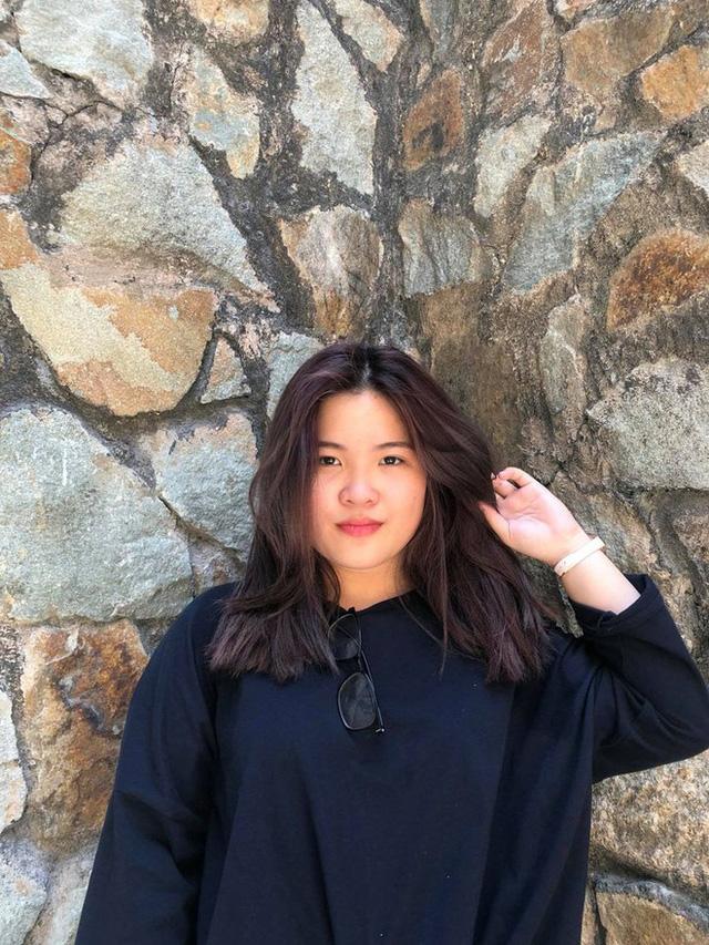 Nữ sinh Sài Gòn thạo 3 thứ tiếng, làm giám đốc, thu nhập khủng dù chưa tốt nghiệp 1