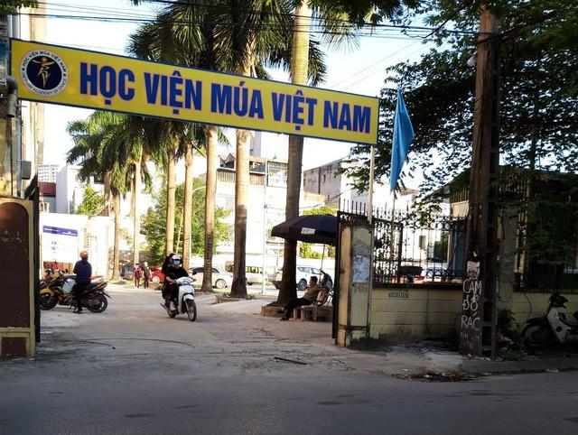 Học viện Múa Việt Nam có trụ sở tại quận Cầu Giấy, Hà Nội.