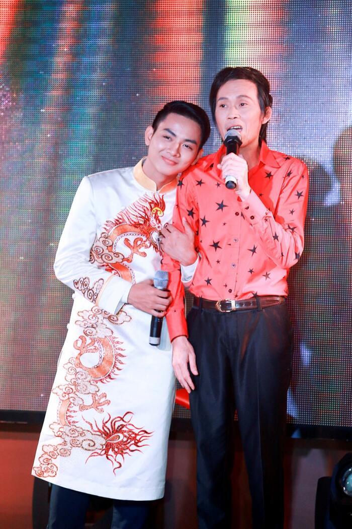 Bị chỉ trích vô ơn vì đổi nghệ danh do nghệ sĩ Hoài Linh đặt, phía Hoài Lâm chính thức lên tiếng 1