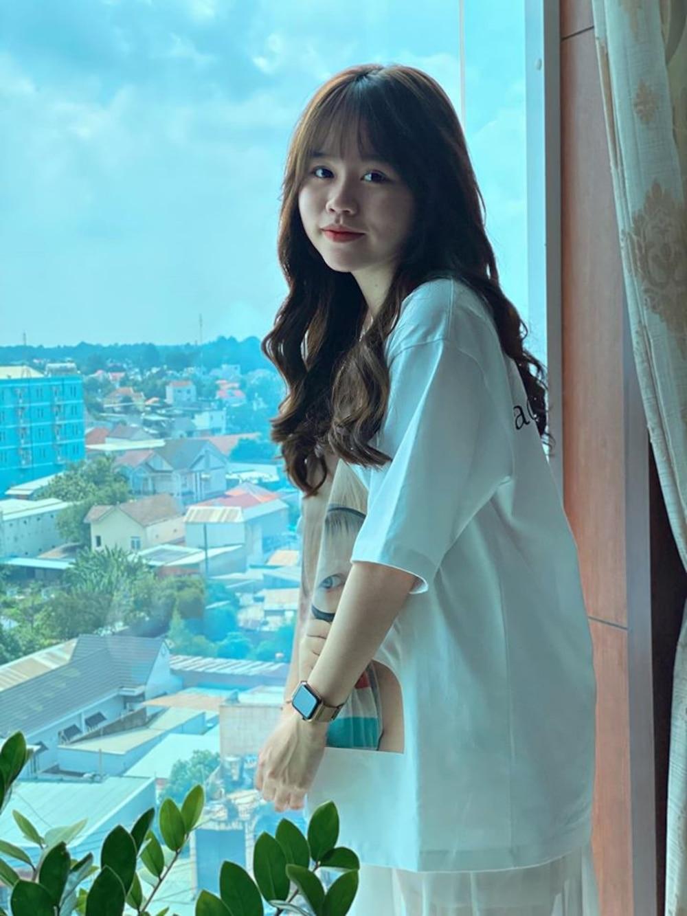 Huỳnh Anh có động thái 'lạ' sau khi Quang Hải bất ngờ theo dõi trở lại 5