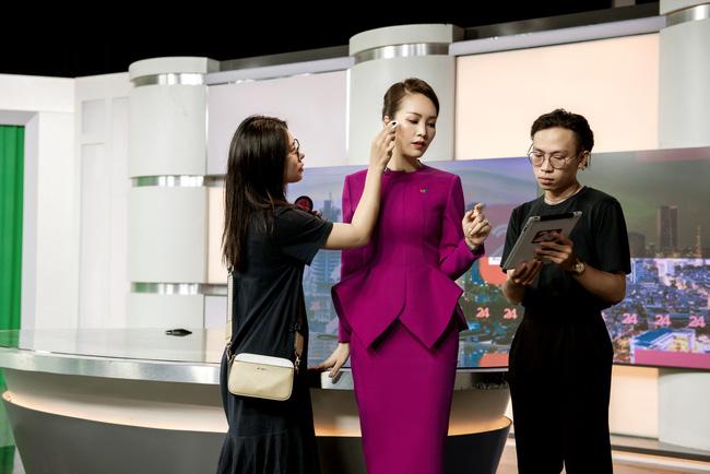 Á hậu Thụy Vân: Nữ MC chỉn chu nhất VTV, chưa một lần mắc lỗi trang phục trên sóng truyền hình 2