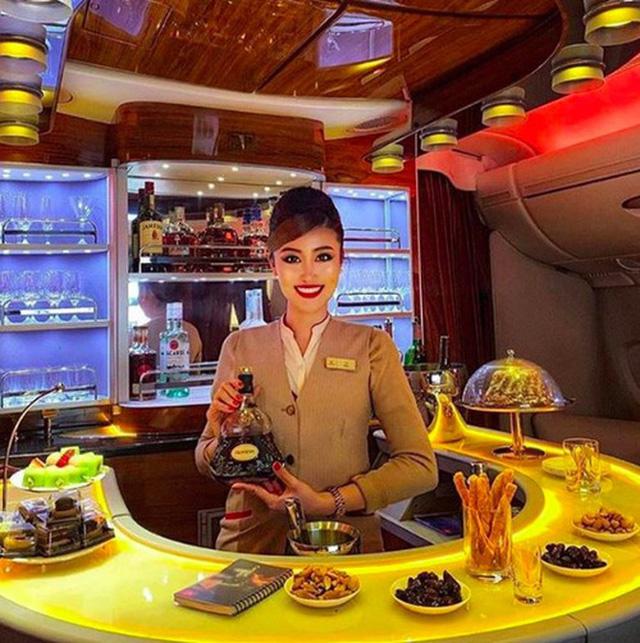 Muốn biết khoang máy bay hạng nhất, thương gia và phổ thông khác nhau ra sao, cứ nhìn vào hãng hàng không tốt nhất thế giới này là chuẩn nhất! 9