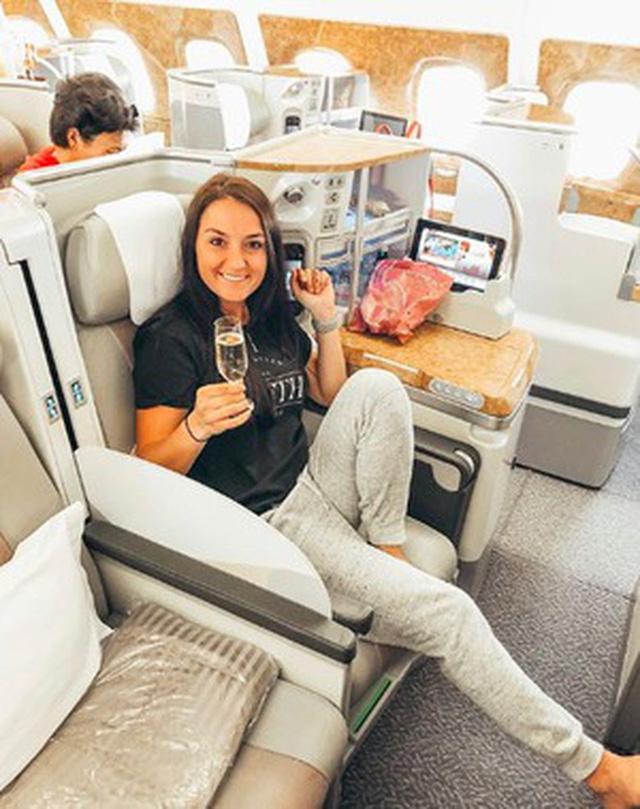 Muốn biết khoang máy bay hạng nhất, thương gia và phổ thông khác nhau ra sao, cứ nhìn vào hãng hàng không tốt nhất thế giới này là chuẩn nhất! 18