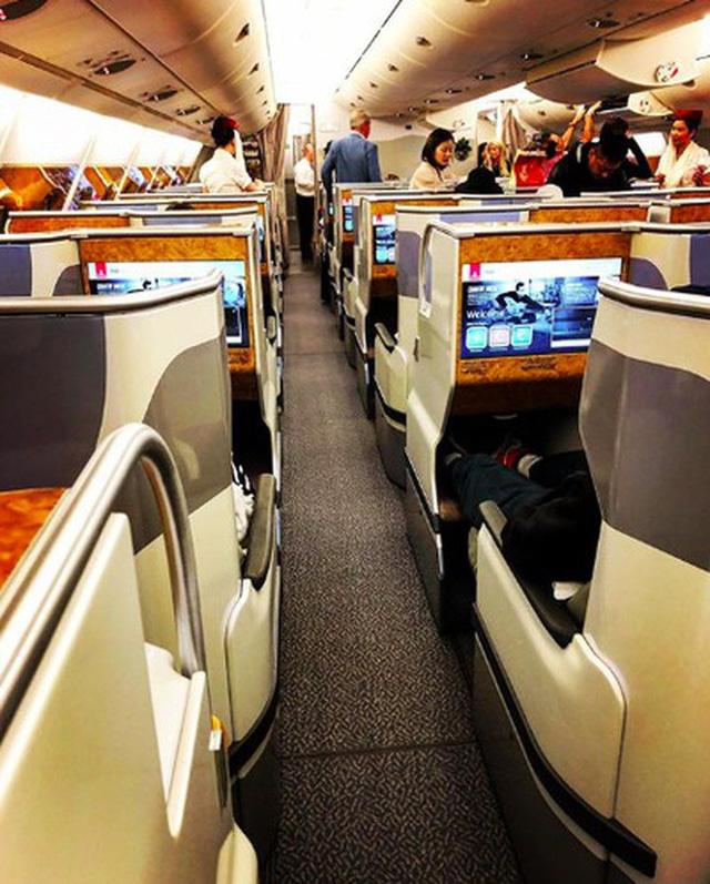 Muốn biết khoang máy bay hạng nhất, thương gia và phổ thông khác nhau ra sao, cứ nhìn vào hãng hàng không tốt nhất thế giới này là chuẩn nhất! 14