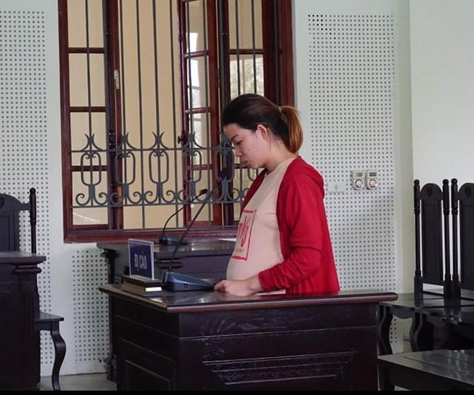 Bị cáo Thắm tại phiên tòa