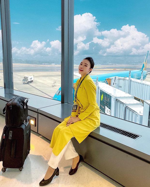 Nữ tiếp viên trưởng tên Trần Phương Ly gây ấn tượng trên mạng xã hội với nhan sắc mặn mà