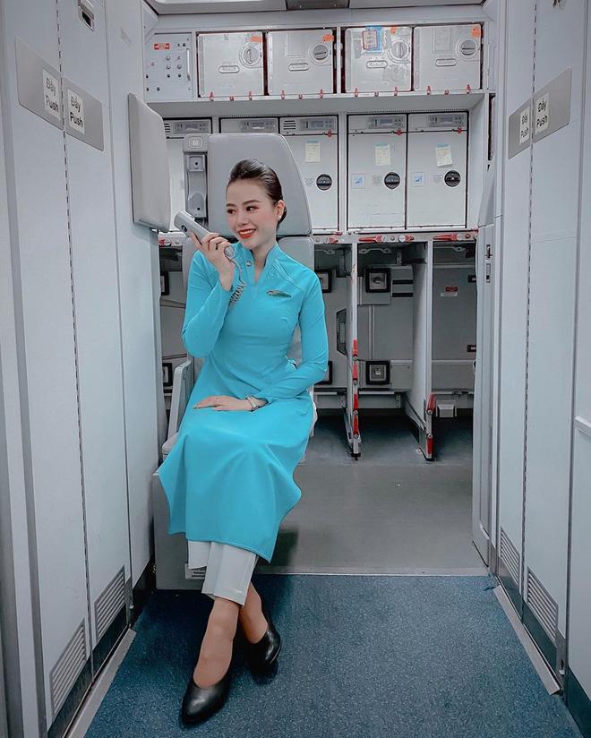 Nữ tiếp viên trưởng xinh đẹp của Vietnam Airlines bật mí thu nhập thật và quá trình lên chức gắt gao 4