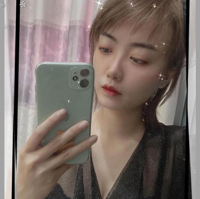 Thật khó tin, tựa game mà nhiều người Việt ghét bỏ lại có những nữ HLV xinh đẹp và bốc lửa như thế này 3