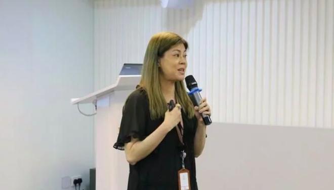 Sau khi giải nghệ, Lương Nghệ Linh làm công việc truyền giáo.