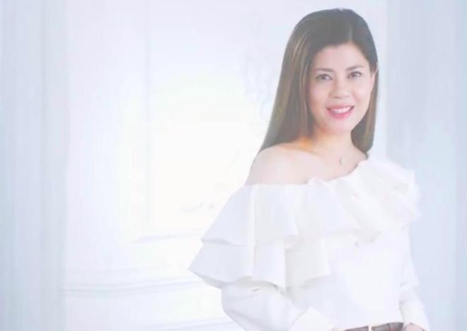 Những năm gần đây, Lương Nghệ Linh làm nhân viên chăm sóc da cho một hãng mỹ phẩm Hong Kong.