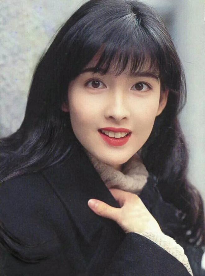 Mỹ nhân TVB hồi xưa mới đúng là các trendsetter: Tóc tai đến giờ vẫn hợp mốt và được chị em học hỏi nhiệt tình 10