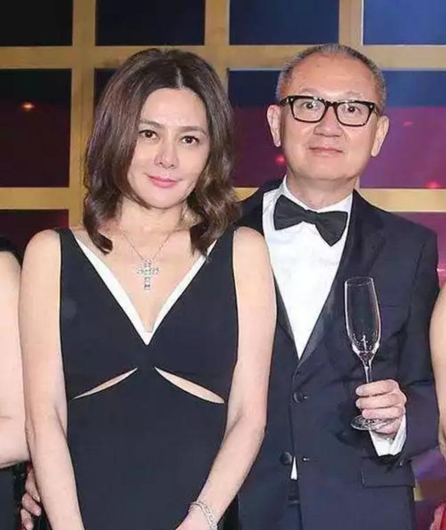 Từng cạch mặt nhau vì một người đàn ông, hai mỹ nhân đình đám Hong Kong Quan Chi Lâm và Lưu Gia Linh bất ngờ hội ngộ 2